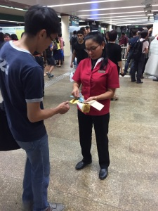 smrt-staff-distributing-data