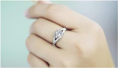 The-classic-sona-2-karat-finger-ring-drilling-married-female-engagement-ring-ALW1909.jpg
